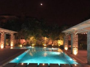 SWIMMING POOLS DESIGNS WITH EXOTIC STONES