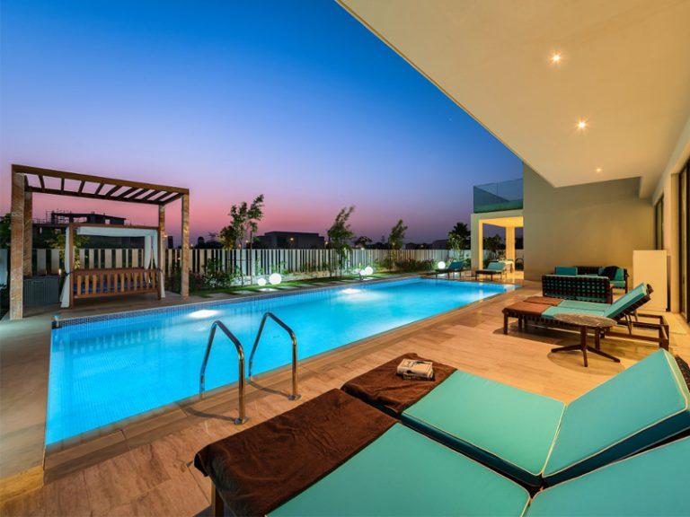 parkway-mbr-city-villa-pool