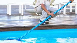 Desert leisure swimming pool maintenance